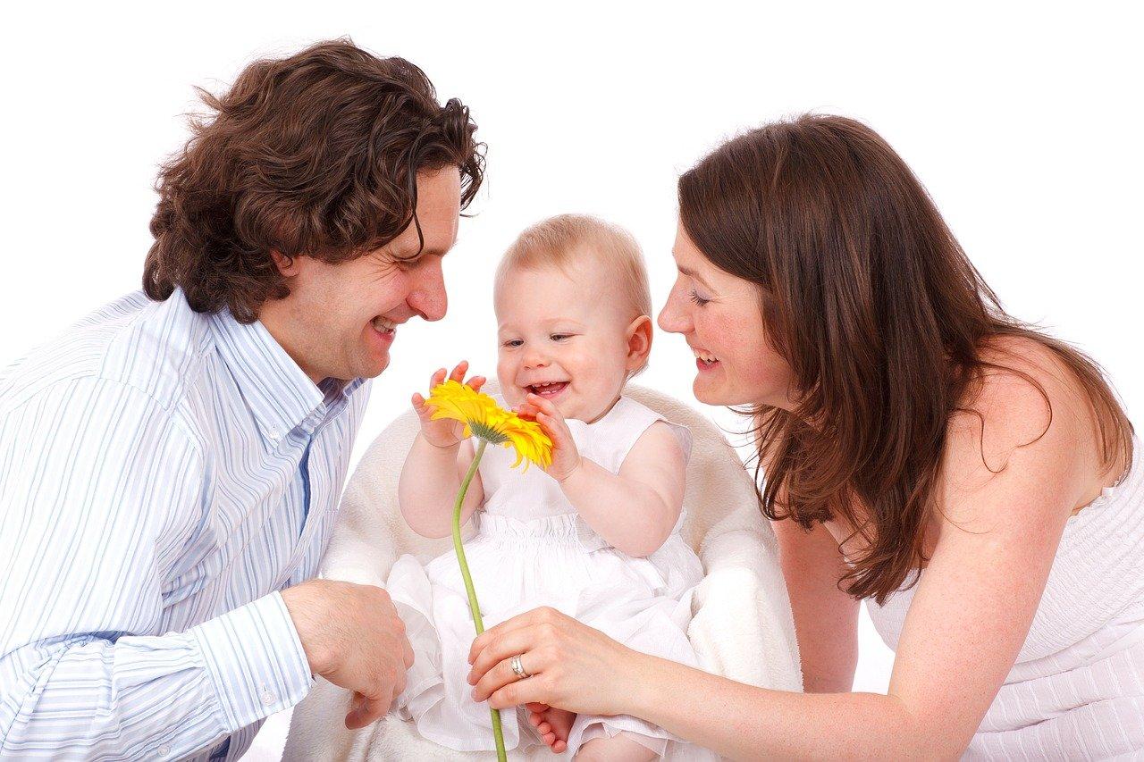 Jak pierwsze wzorce relacji rodzic – dziecko kształtują przyszłe wybory człowieka