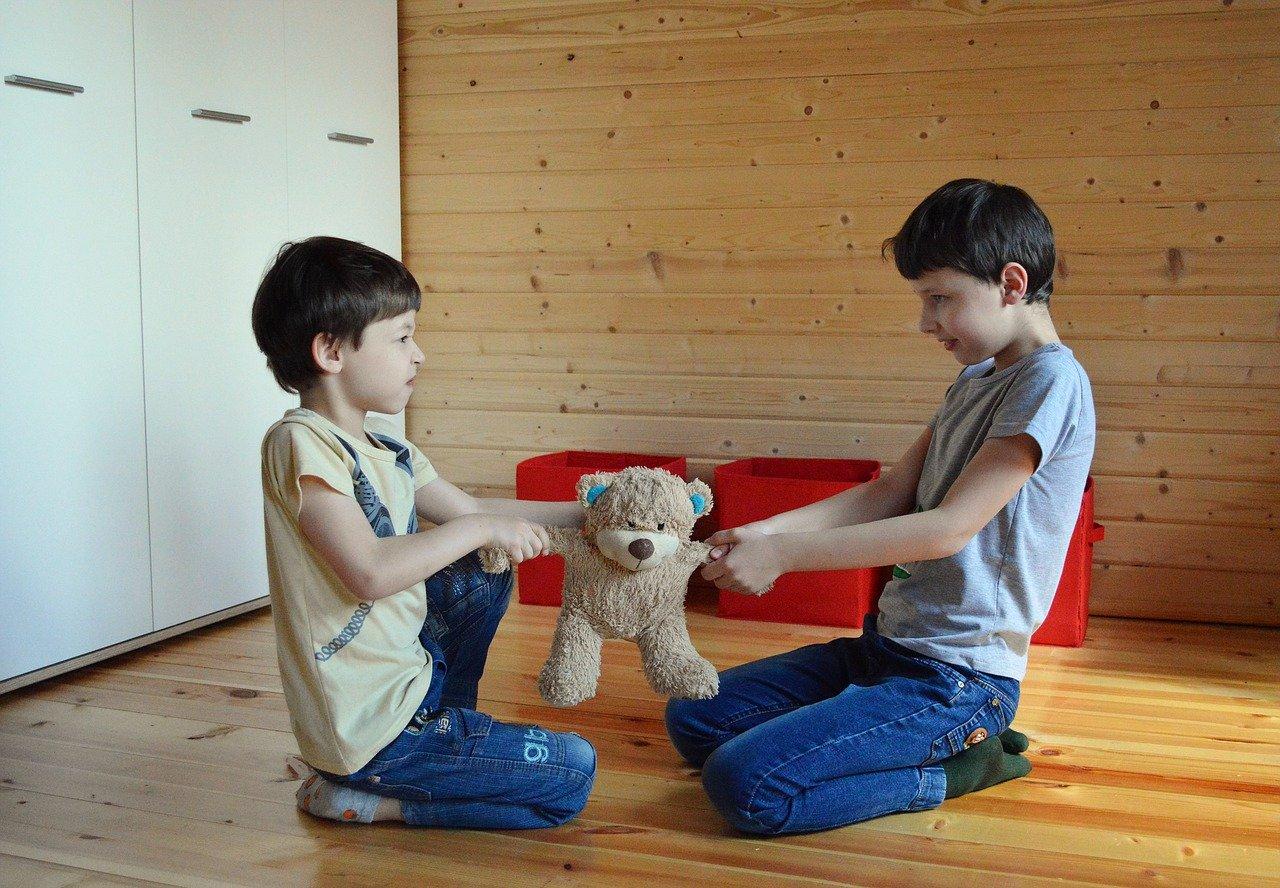 Dziecięce konflikty – trzymaj się od tego z daleka