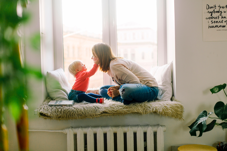 Gdyby rodzice odmówili opieki nad dziećmi, poziom życia wszystkich obniżyłby się o połowę